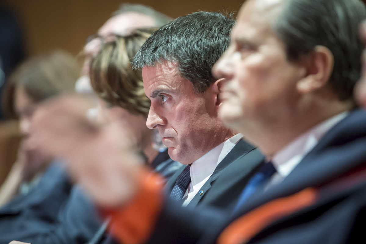Le Premier ministre Manuel Valls et le premier secrétaire du Parti socialiste, Jean-Christophe Cambadelis, participent à l\'Université de l\'Engagement de la région Centre-Val de Loire à Tours, samedi 22 octobre 2016 - 2016©Jean-Claude Coutausse / french-politics pour Le Monde